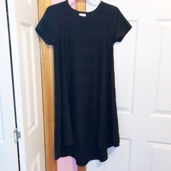 ea239626d2d LuLaRoe Dresses   Skirts - LuLaRoe Black Pin Tucked Carly